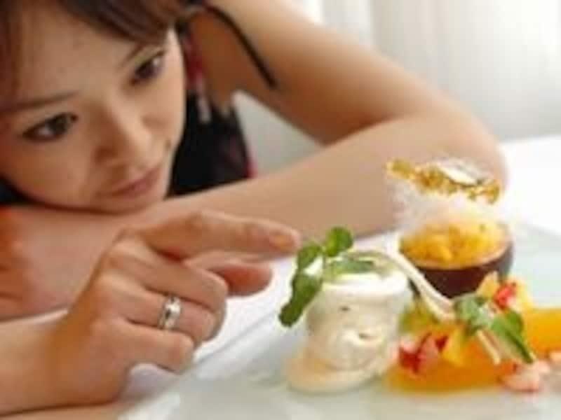 空腹を感じて食事をすると成長ホルモンも分泌されるので1日3食規則正しく食べよう