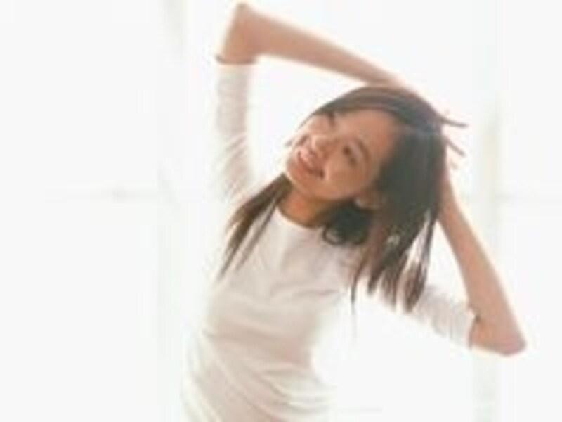 軽い運動、いい睡眠、バランスのとれた食事で、ホルモンバランスを崩さない生活を心がけよう