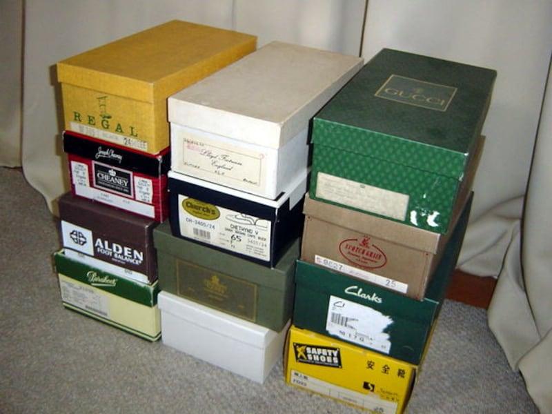 段積みの靴箱