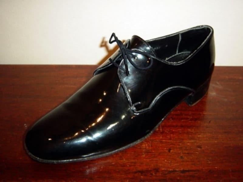 エナメル靴の手入れ