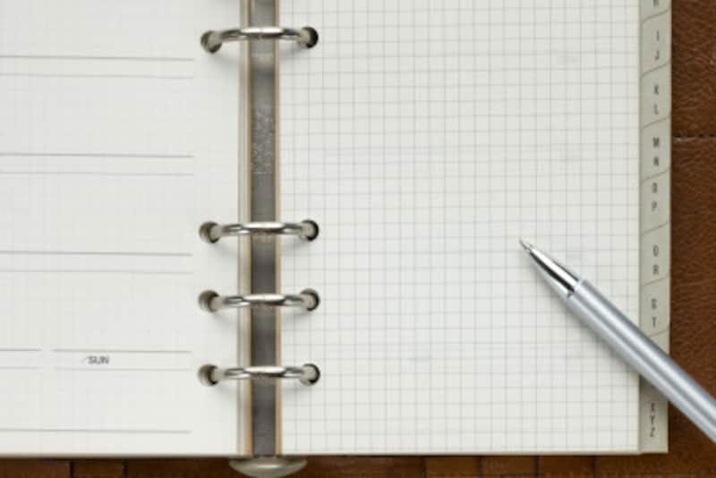 ボールペンのインク漏れ対策と落とし方