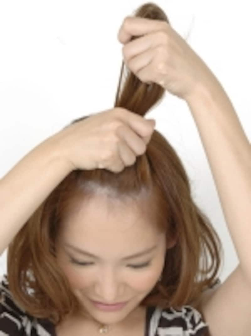 顔周りにでた細かい毛をwaxでまとめることができる