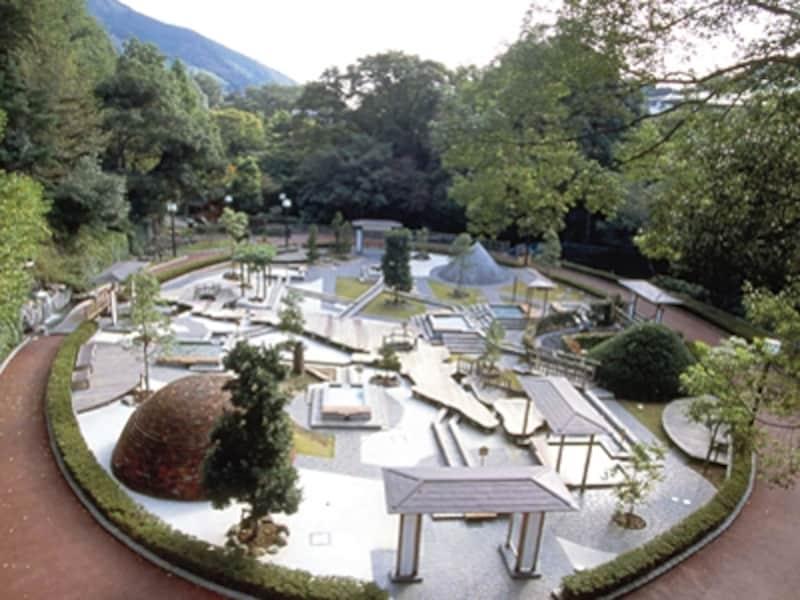 温泉地湯河原には様々な温泉が。写真は足湯施設「独歩の湯」