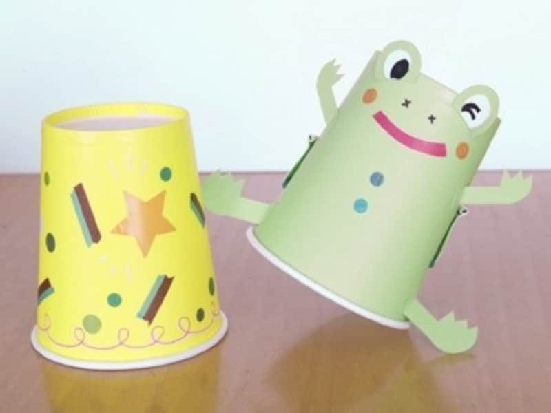 手作りおもちゃ紙コップカエル