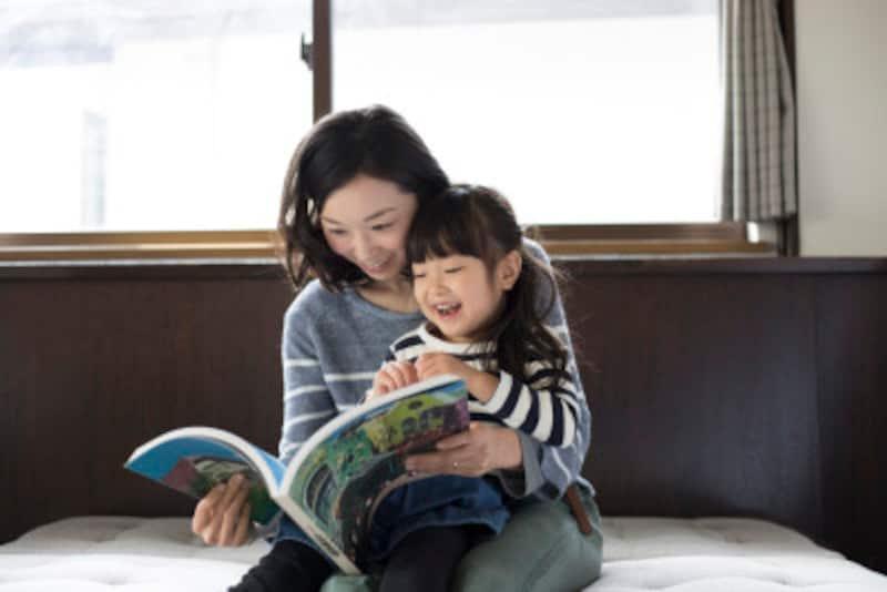 「赤ちゃん返り」の症状と上の子が安心する上手な対応