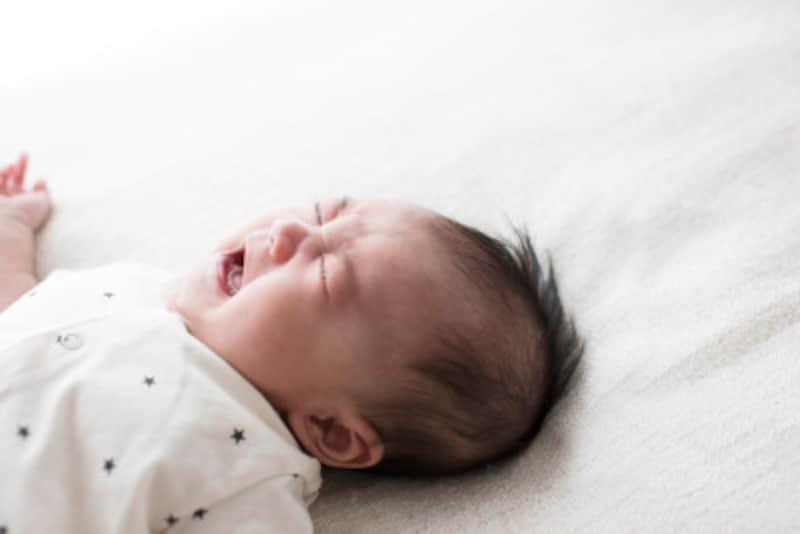 赤ちゃんが泣く原因・理由とは