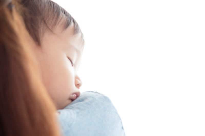 赤ちゃんを寝かしつけるコツとは
