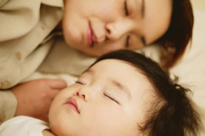 どうすれば赤ちゃんの寝かしつけが上手くいくのでしょうか