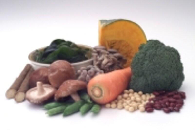 食物繊維の多い野菜や根菜、海藻類を多く食べさせましょう