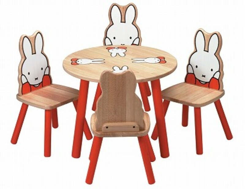 ミッフィーの背もたれつき椅子4脚&テーブルのセット