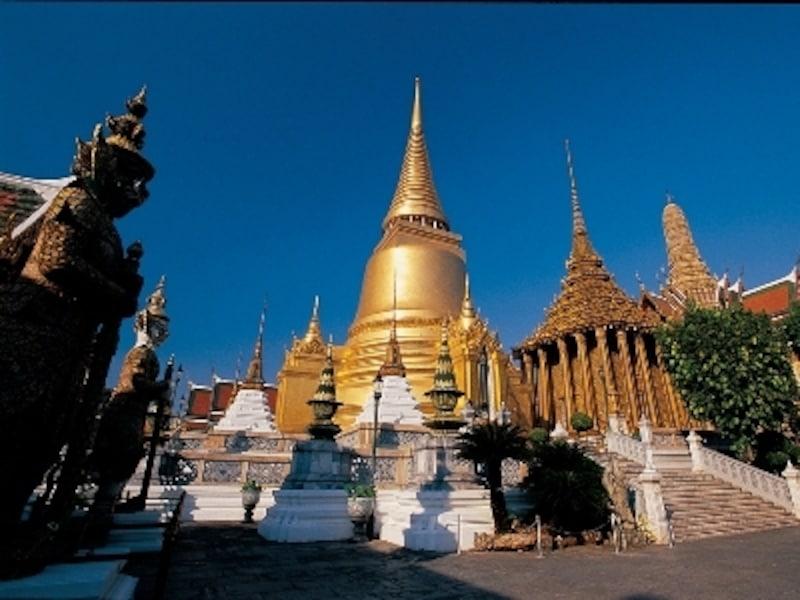 タイの王宮周辺に観光スポットとして知られている寺院が集まっている