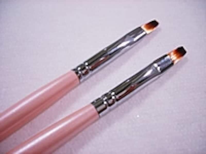 ジェルを塗る基本の筆