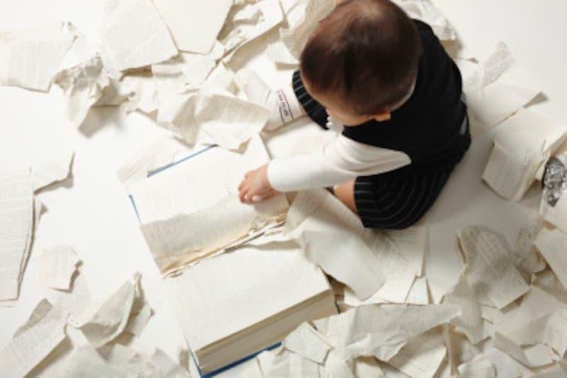 赤ちゃんが絵本を食べるのはどうしたら良いのか