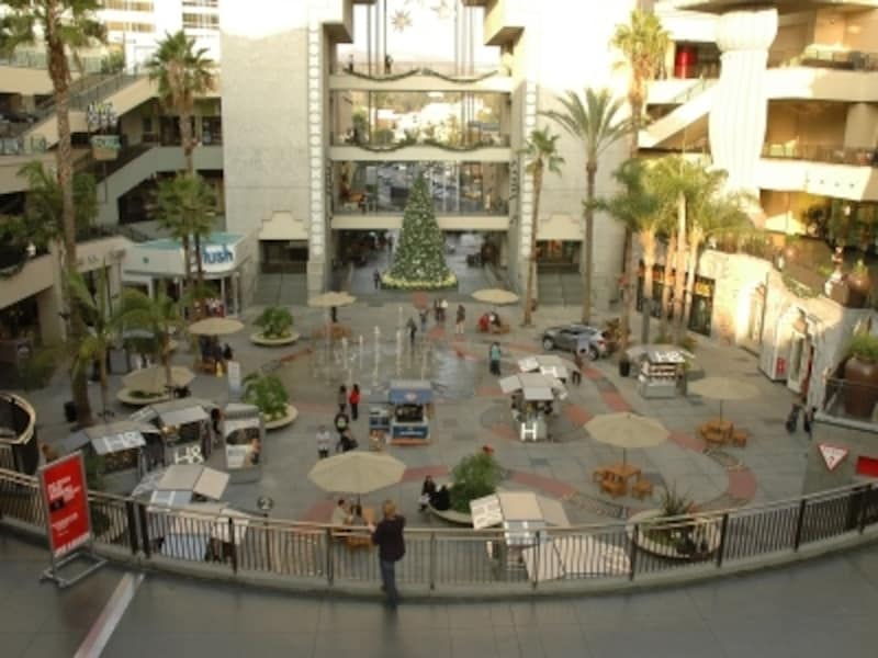 ハリウッド&ハイランドセンターからは、HOLLYWOODの看板がきれいに見えます!