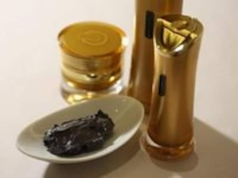 センシュアルな香りとテクスチャーがヤミツキになる「オシエム」