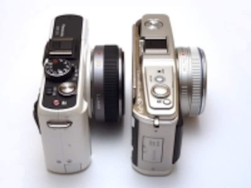 左がDMC-GF1、右がE-P1。この薄さがマイクロフォーサーズ最大の武器である。