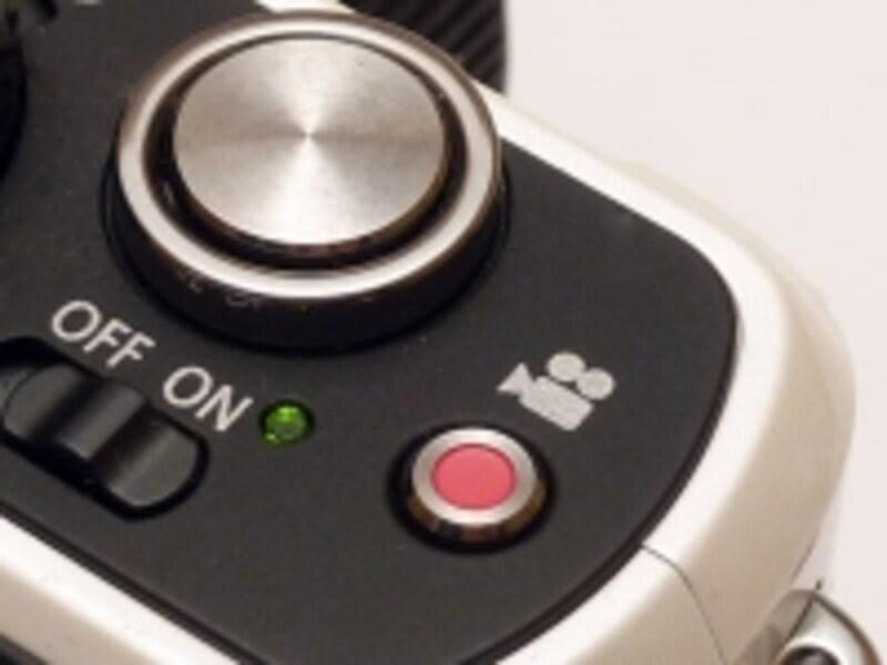 LUMIXに搭載されている動画ボタンは一発で動画撮影モードに入ることができる優れもの。