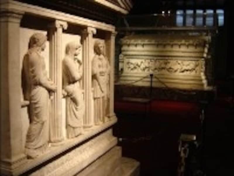 石棺の収蔵品が有名な考古学博物館