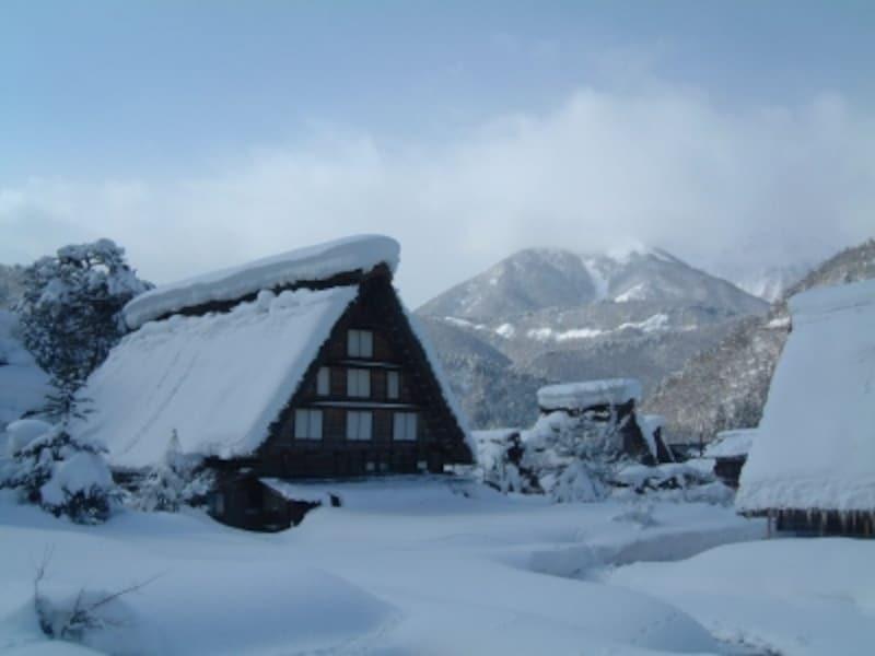 【岐阜】冬の白川郷・合掌造りの家