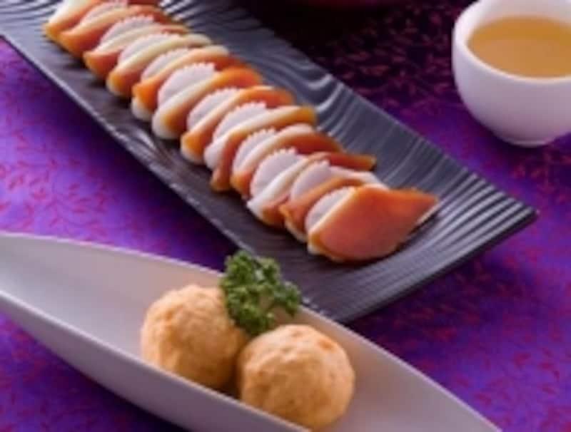 からすみとイカ団子はどちらも名物台湾料理