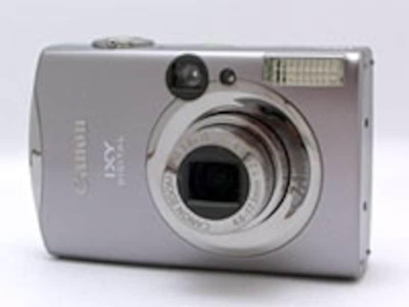 IXYDIGITAL900ISはキヤノンのデジカメとして顔認識AEを搭載したはじめてのもの