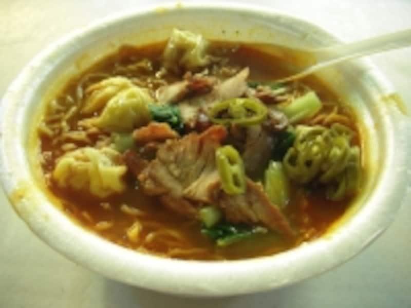 中華系のお店で必ず見かける雲呑麺