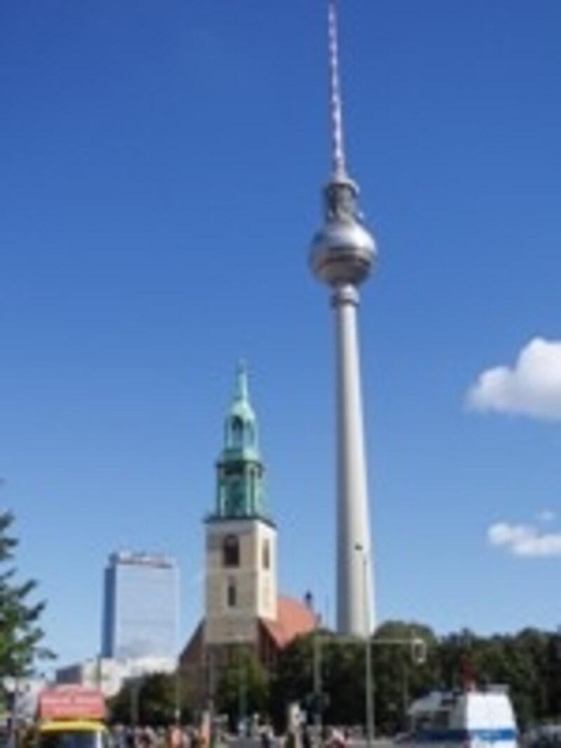 テレビ塔を目指して進めばアレクサンダー広場まで迷いません