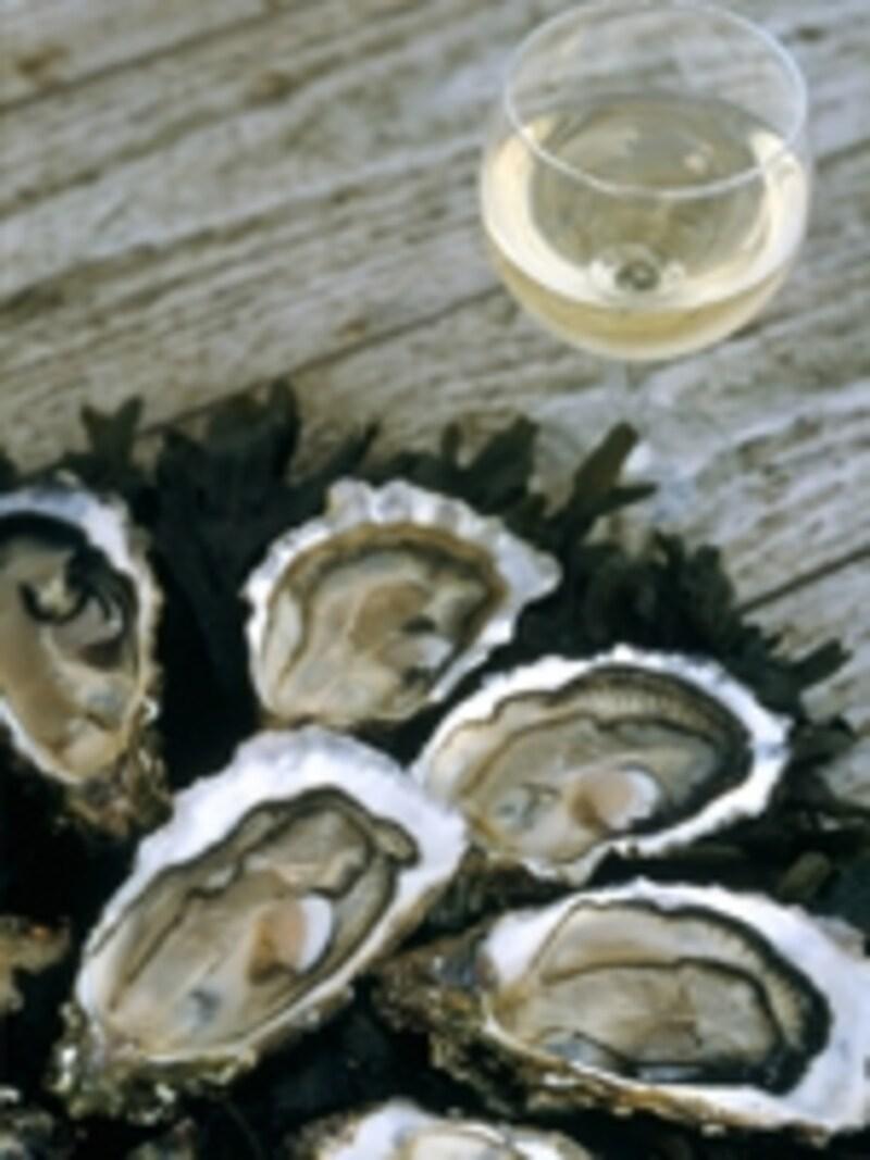 牡蠣は生で白ワインと一緒に、がお約束©ATOUTFRANCE/JeanFrançoisTripelon-Jarry