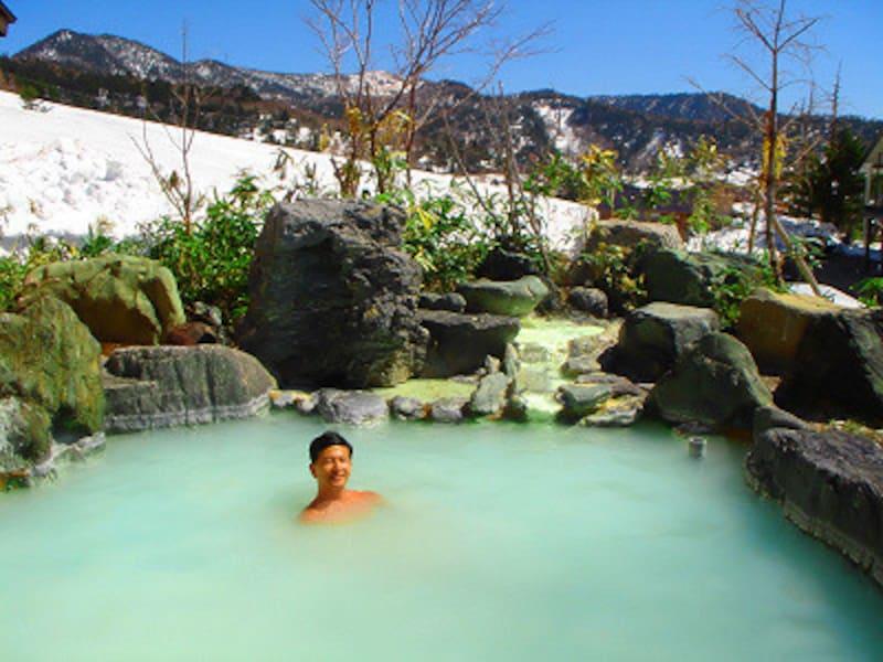 露天風呂からゲレンデを一望!万座温泉湯の花旅館