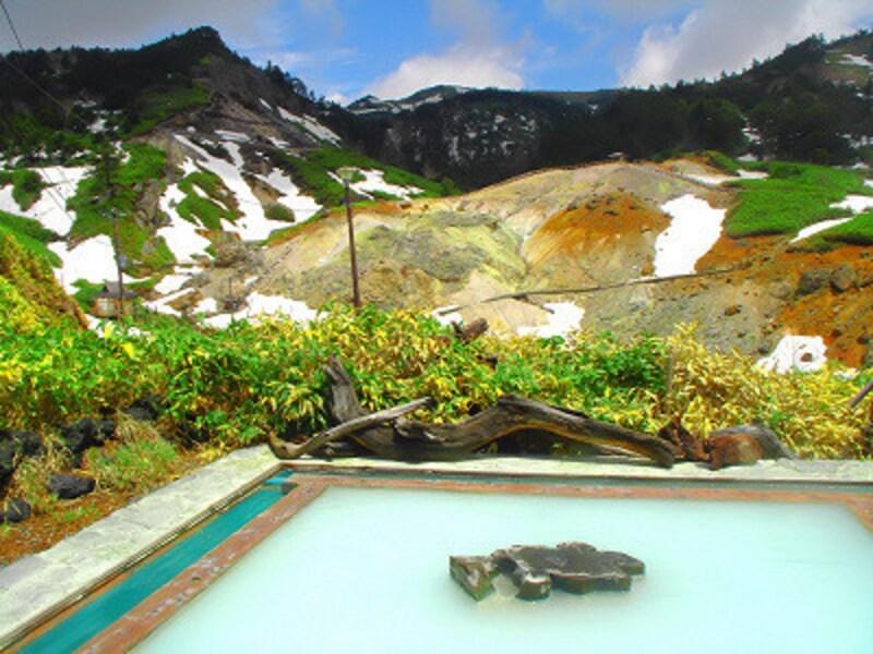 ミルキーな泉質が最高!万座温泉ホテル展望露天風呂極楽湯