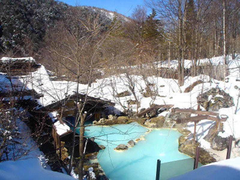 冬は一層風情を増す!泡の湯の露天風呂