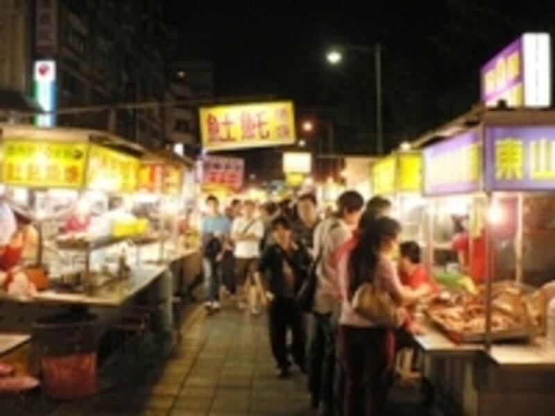小規模ながらも根強い人気の寧夏路夜市