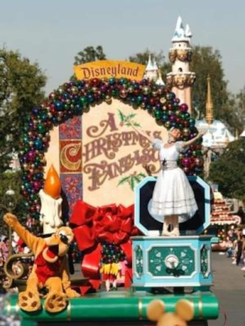 絶対に見たいディズニークリスマスパレード(c)PaulHiffmeyer/Disneyland
