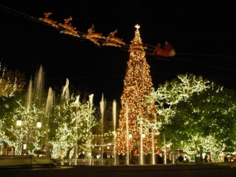 ロサンゼルス市内で一番巨大なクリスマスツリー