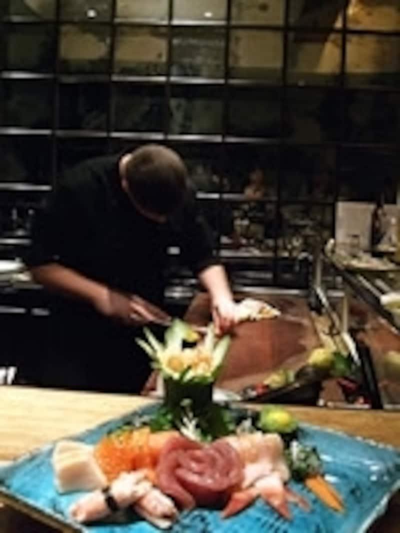 正統な日本料理店で長きにわたって修業を積む外国人シェフも増えている