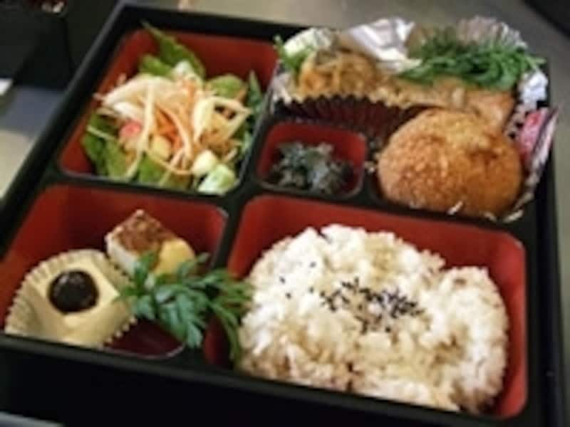 アメリカのポートランドで人気を集める自然食のお弁当カフェ、ChefNaoko(シェフ・ナオコ)