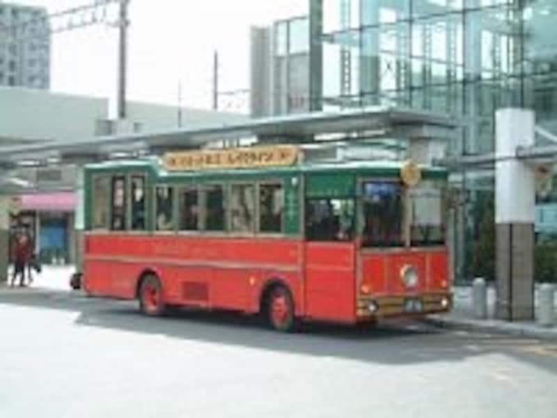 松江市内の観光スポットをまわるバス「ぐるっと松江レイクライン」