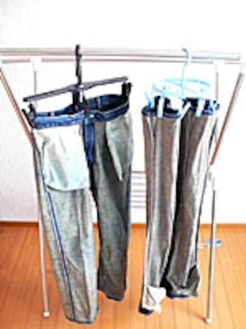 左はジーンズ用ハンガー。風が強い日でも濡れて重いジーンズを外干しできるがっしり構造