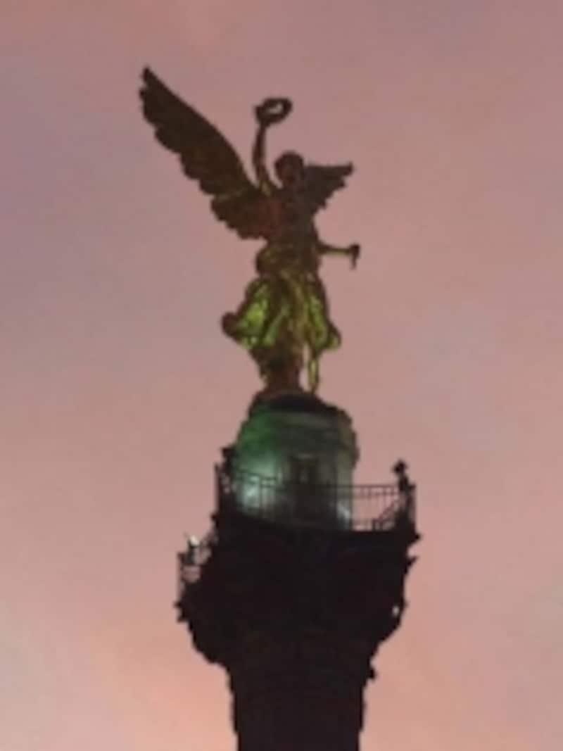 メキシコシティ市民から愛される、天使像