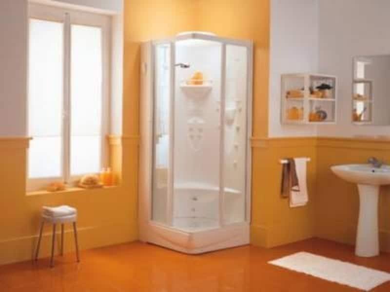 シャワーのみのバスルームも多いので、バスタブの有無の確認を!