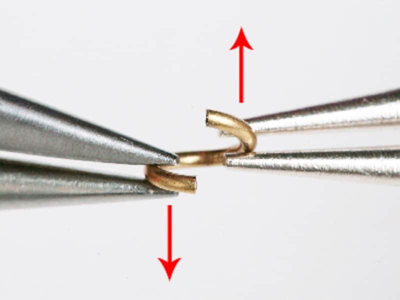 ビーズの基本テクニック:丸カンの付け方・使い方