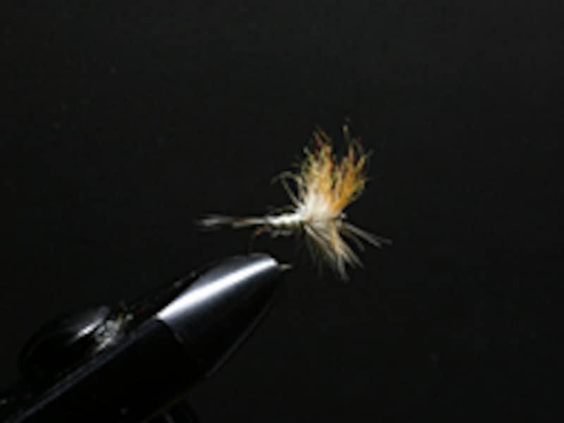 タイイングでフライを自作!初心者向け釣り道具の選び方や作り方