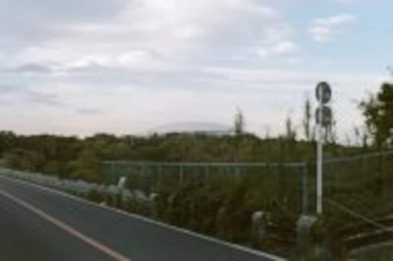 多摩湖の向こうの西武ドーム