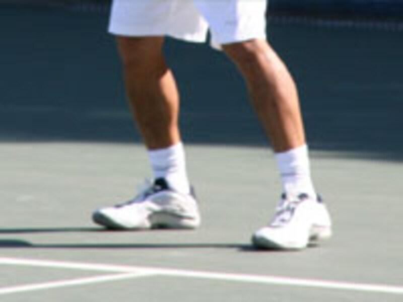 テニスシューズ