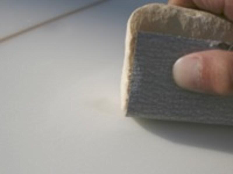 ヤスリを細かいものに交換し、きれいに仕上げを