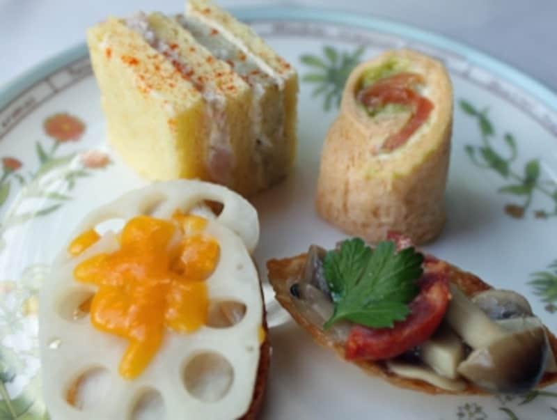 見た目も華やか。4種類もの異なる味。使用するパンの種類もすべて異なります