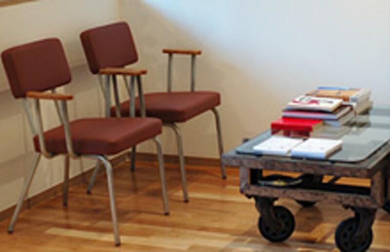 mid.の椅子の写真