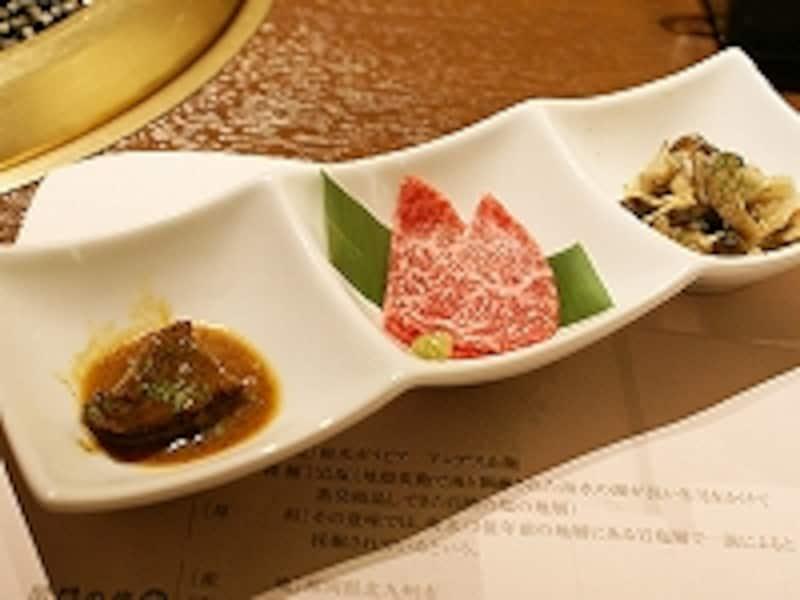 煮込み・刺しと、2種の肉に野菜の付き出し。