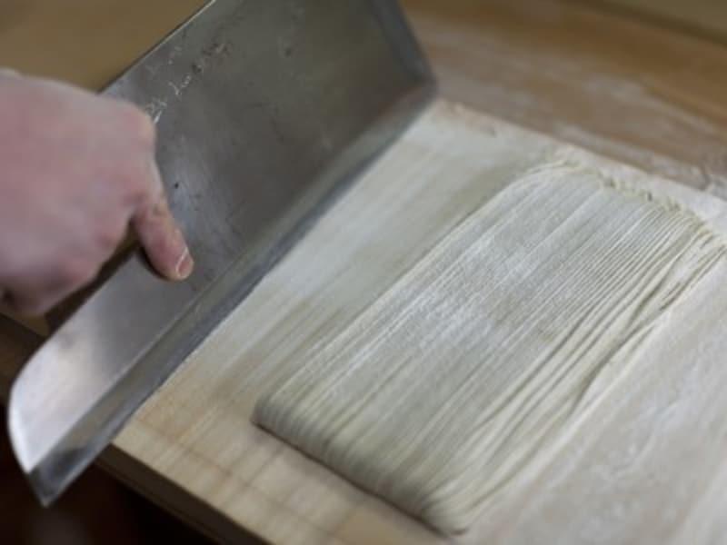 蕎麦打ちの生地の切り方