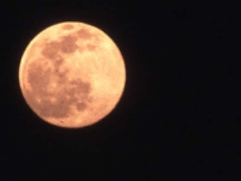 「あれ?どう見たら月うさぎに見えるの?」「ところで、なんで月にうさぎがいるの?」⇒答えはこちらです。